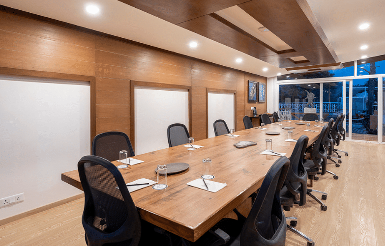 luxury-conference-hall-in-mukteshwar