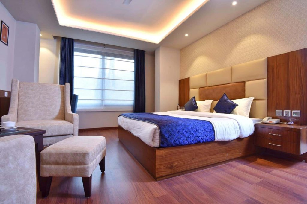 book-super-deluxe-hotel-room-in-palampur